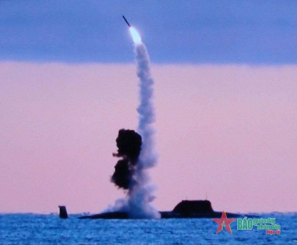 """Tại sao tên lửa Zircon """"không có đối thủ""""?"""