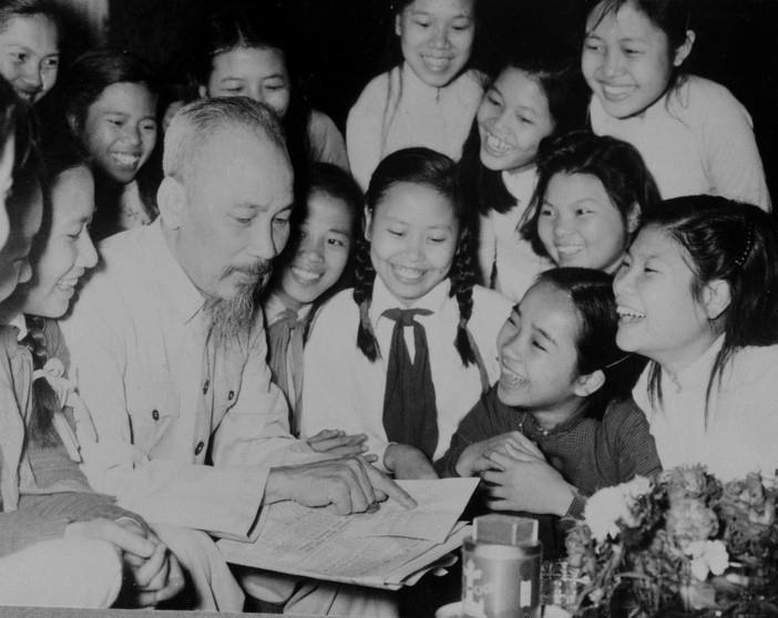 Ngày này năm xưa 15-9-1945: Bác Hồ gửi thư cho học sinh nhân ngày khai trường đầu tiên