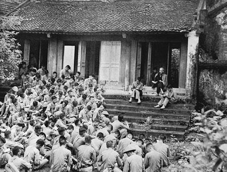 """Ngày này năm xưa 19-9-1954: Bác Hồ căn dặn """"Dựng nước phải đi đôi với giữ nước"""""""