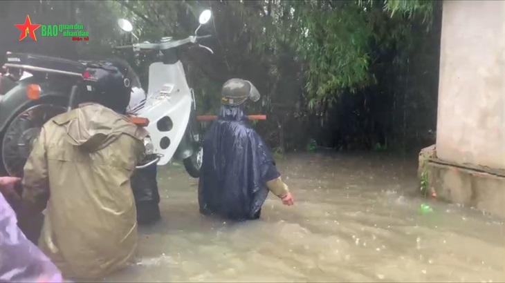Quảng Ngãi Khẩn cấp cứu nạn, di dời người dân vùng ngập