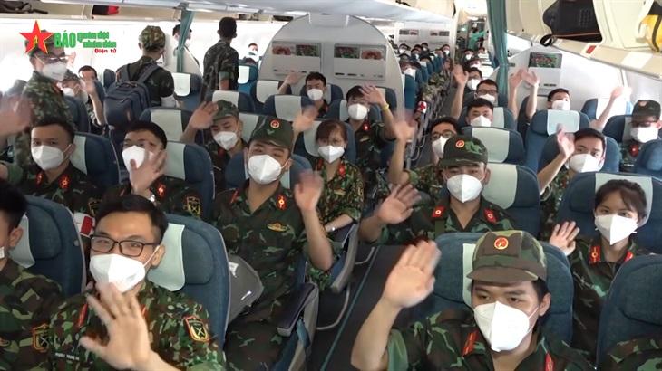 Xúc động chia tay hơn 300 cán bộ, học viên Học viện Quân y