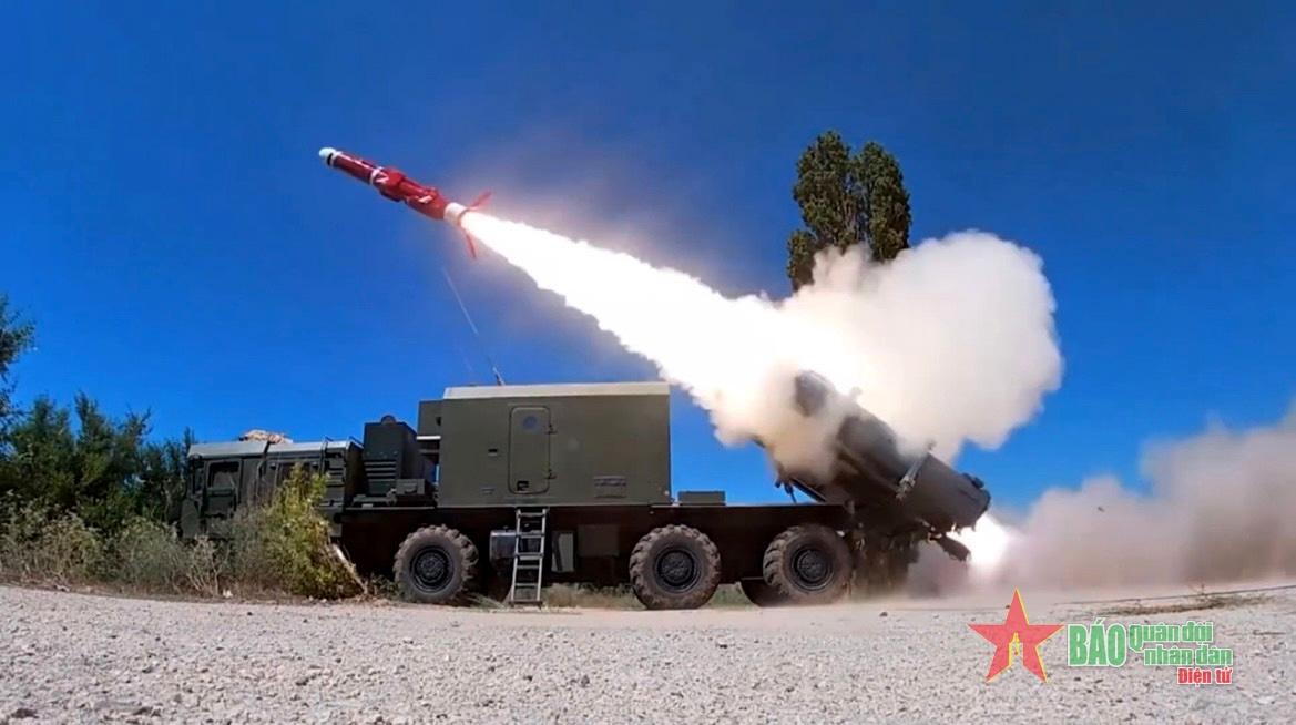 Uy lực hệ thống tên lửa phòng thủ bờ biển Bal-E